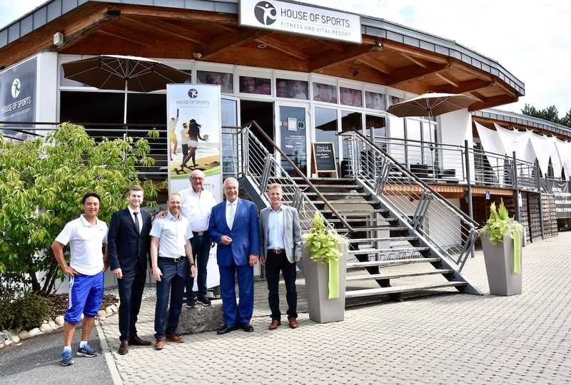 Donnerstag, 23. August, 2018 Sportminister Joachim Herrmann bei einem Besuch des House of sports in Eckental. 3 v.l.n.r. Kim Sittl (GF Physiopoint) Fabian Schulze Bölling (GF House of Sports) Oliver Penning (GF House of Sports) Reinhard Nagengast (Kreisrat) Joachim Herrmann, Markus Giegold (GF House of sports)